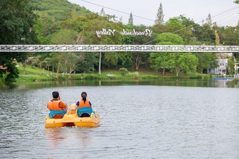 Brookside Valley Resort Hotel in Rayong: Water Bee