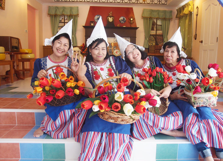 Brookside Valley Resort Hotel in Rayong: Dutch Costume